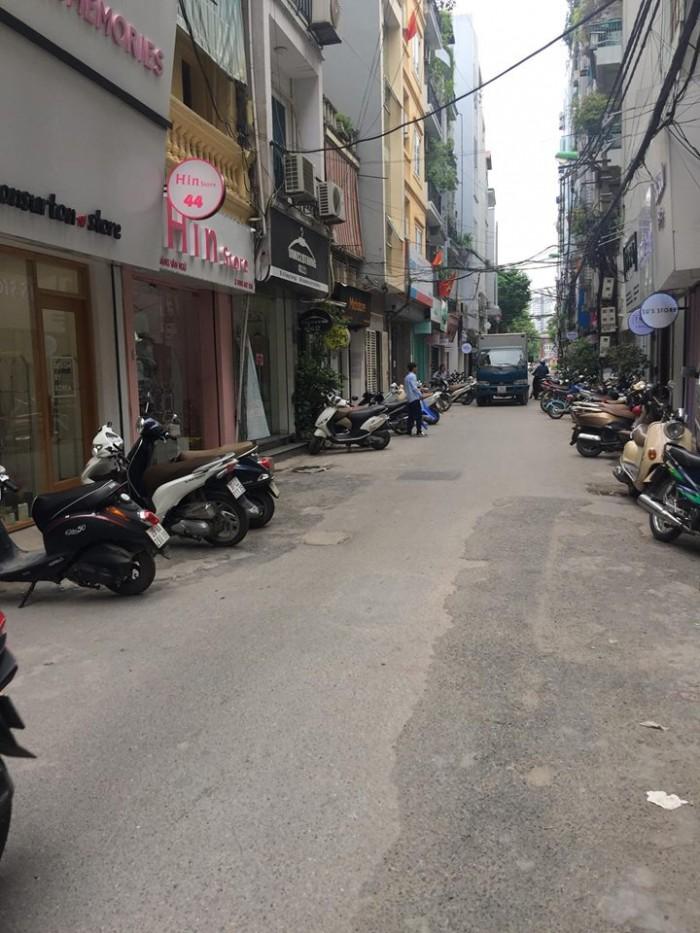 Bán nhà phố Phạm Ngọc Thạch, mặt ngõ ô tô kinh doanh sầm uất