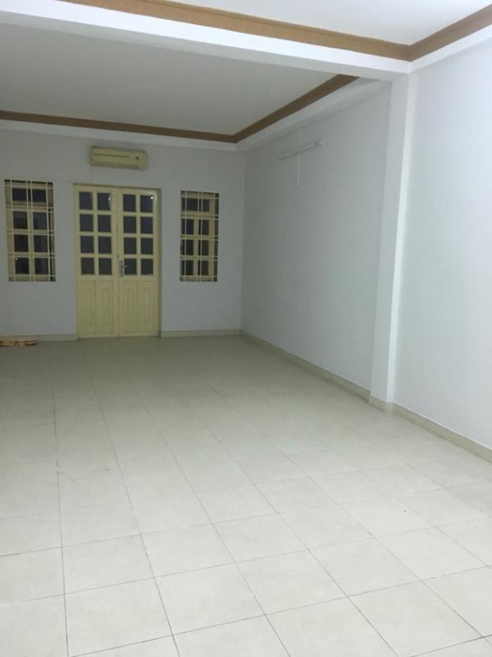 cần tiền bán gấp nhà mt đường Trần Hưng Đạo tt eakar, 12x 32