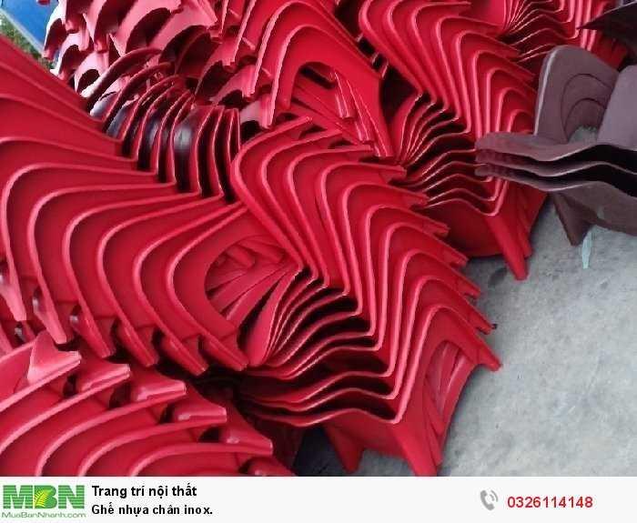 Ghế nhựa chân inox.