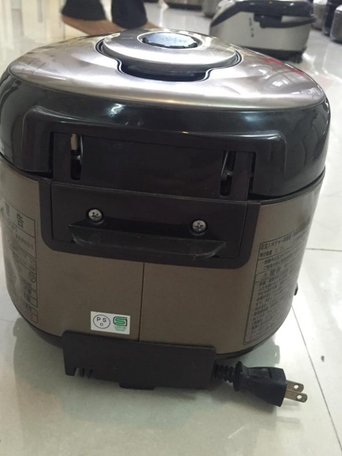 Nồi cơm Hitachi RZ-SG10J3