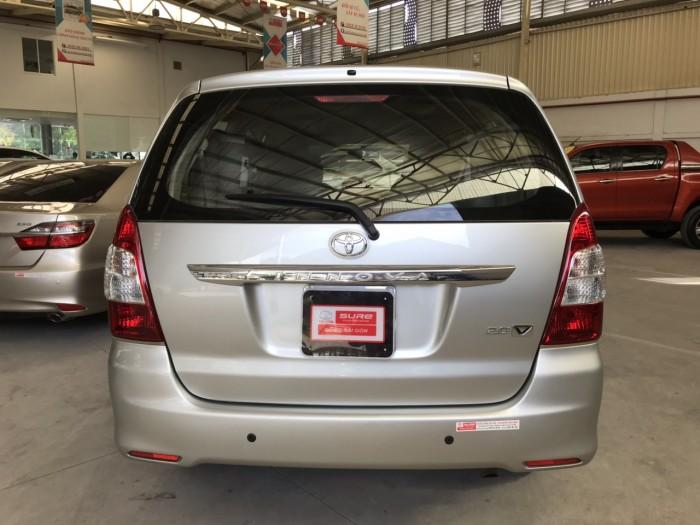 Bán xe Innova V sx 2013 màu bạc, giá giảm 30 triệu