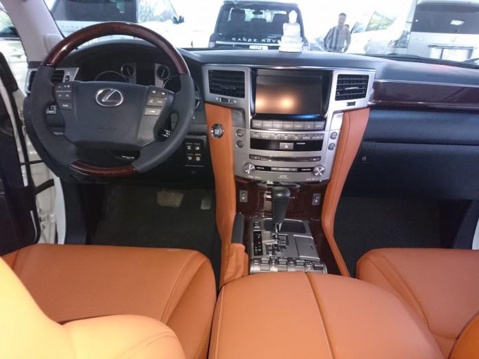Lexus LX570 model 2013 màu trắng bản xuất mỹ 4