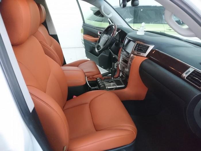 Lexus LX570 model 2013 màu trắng bản xuất mỹ 5