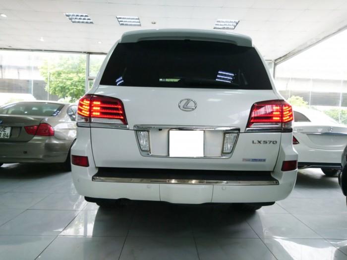 Lexus LX570 model 2013 màu trắng bản xuất mỹ 7