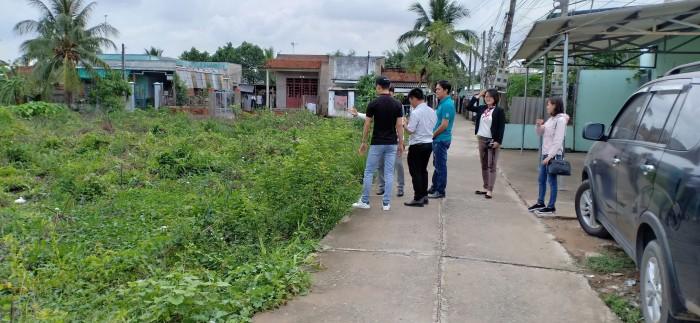 Bán Đất Sổ Hồng Riêng Ngay Trung Tâm Thị Trấn Thủ Thừa Long An Giá Chỉ 390tr/nền.