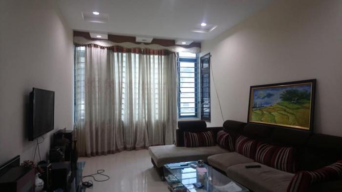 Phân lô,nhà riêng đẹp Phố Tôn Thất Tùng, quận Đống Đa, ngõ rộng,gần Phố, về ở luôn