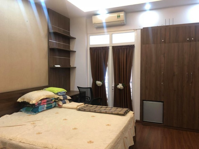 Về ở luôn, nhà riêng Phố Phương Mai, quận Đống Đa, gần Hồ Phương Mai, ngõ rộng