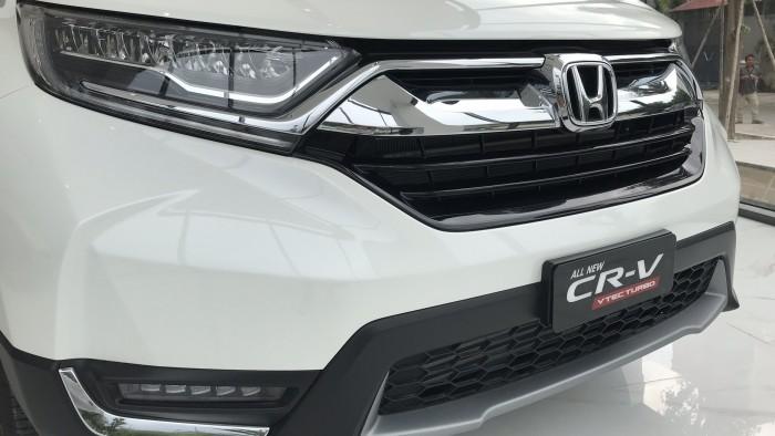 Honda CR-V L màu trắng giao ngay tháng 1