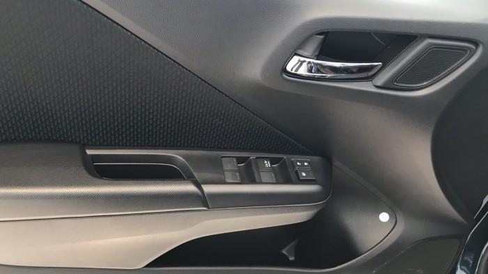 Honda City CVT màu xanh giao ngay 16