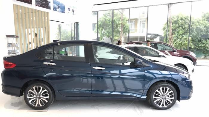 Honda City CVT màu xanh giao ngay 10