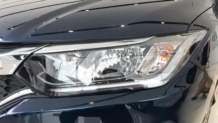 Honda City CVT màu xanh giao ngay 8