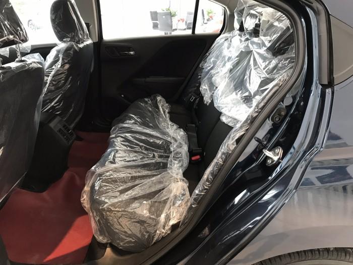 Honda City CVT màu xanh giao ngay 2