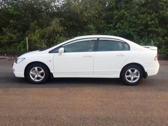 Bán Honda Civic 2008 tự động 1.8 màu trắng long lanh đẹp.