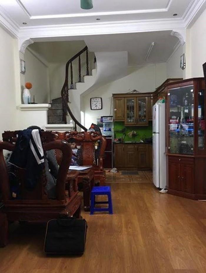 Bán gấp nhà khu vực Nguyễn Trãi 30m, 4 tầng.