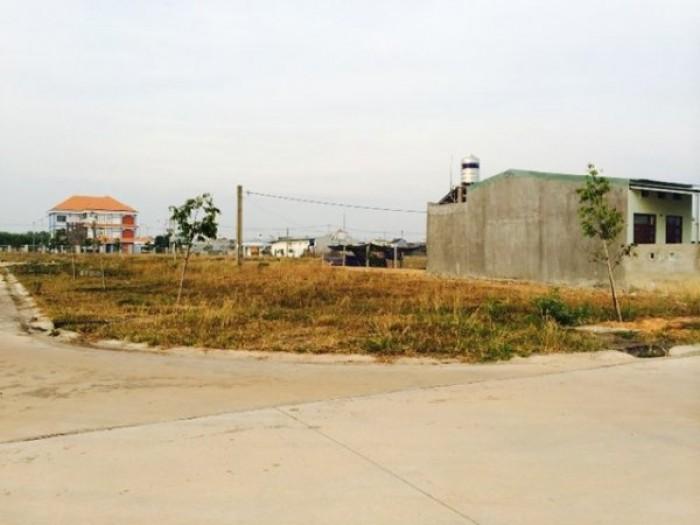 Bán 450m2 đất mặt tiền 15m, kế khu chợ nhà nước. (ko trung gian)