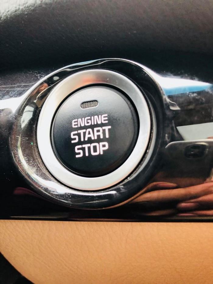 Bán xe Kia Sorento GAT 2017 máy xăng màu bạc zin cực chất