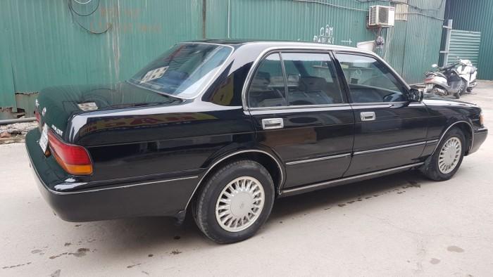Bán xe Crown 1995 màu đen