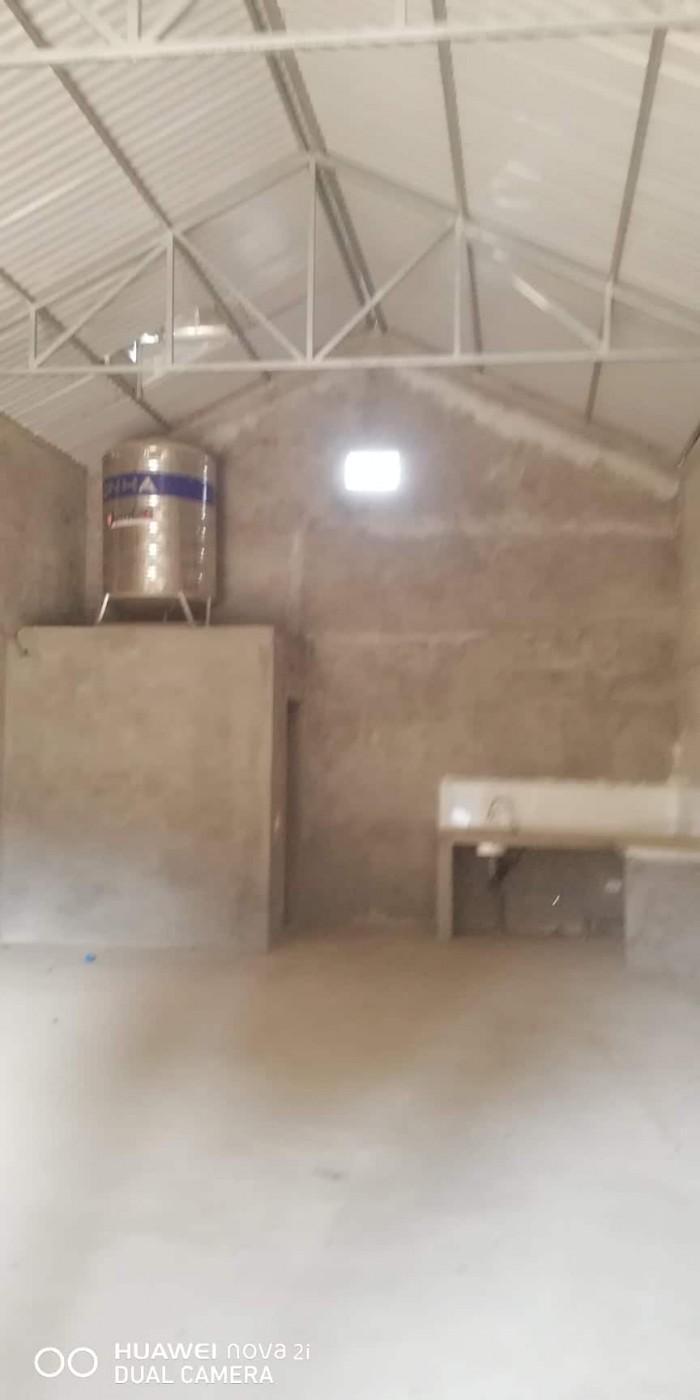 Cho thuê kho xưởng sản xuất ở Long Biên, điện 3 pha, giá hợp lý.
