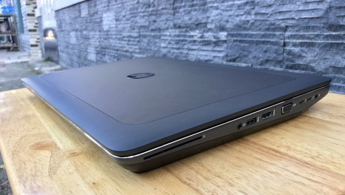 HP Zbook 14 i7 8G SSD240g siêu tốc độ. mỏng nhẹ, cạc rời, đẹp Like new