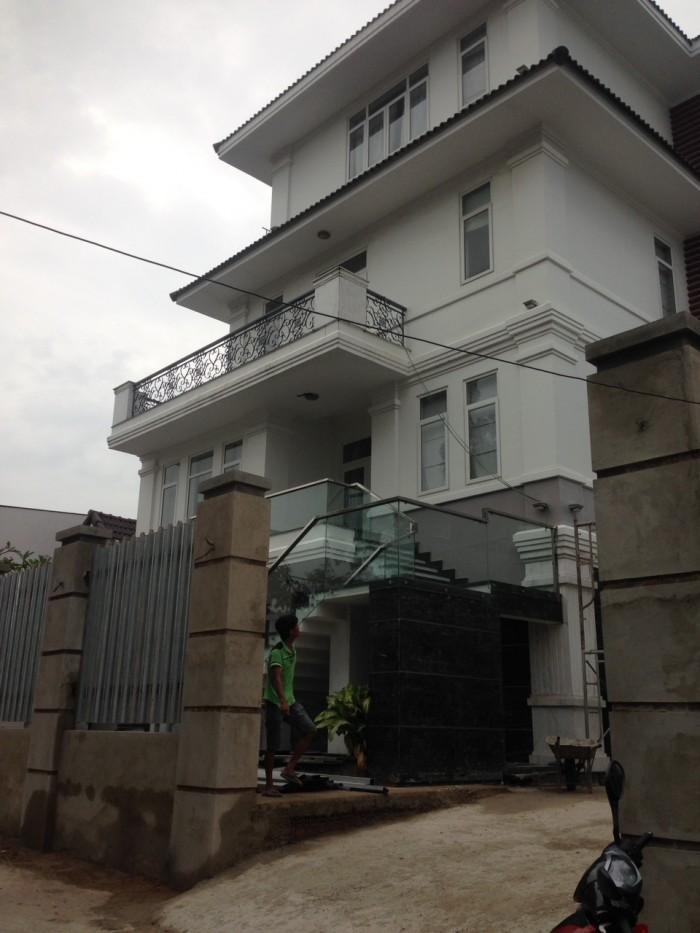 Tôi bán lô đất DT: 377m2 ngay đường Nhơn Đức_Nguyễn Bình huyện Nhà Bè