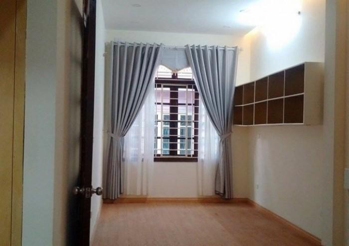 Gia đình bán nhà Kim Mã, 5 tầng 23M2, 1.7 tỷ