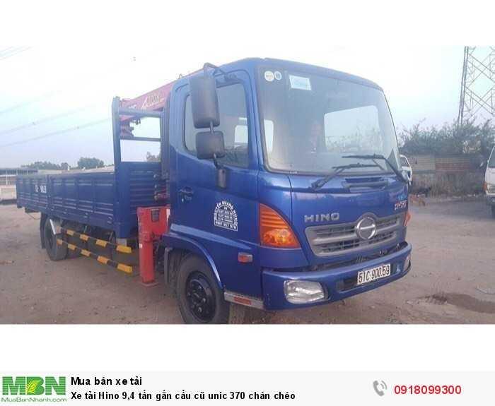 Xe tải Hino 9,4 tấn gắn cẩu cũ unic 370 chân chéo