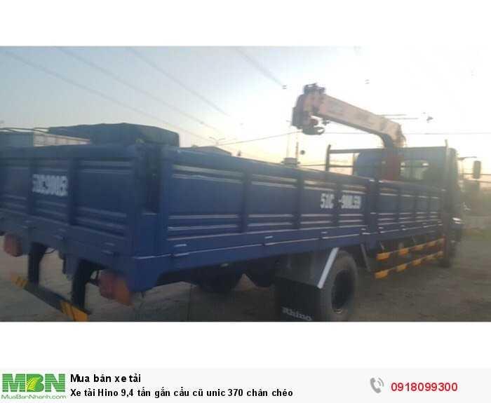 Xe tải Hino 9,4 tấn gắn cẩu cũ unic 370 chân chéo 2