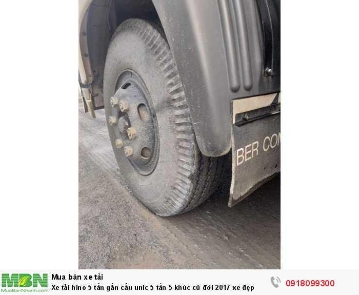 Xe tải hino 5 tấn gắn cẩu unic 5 tấn 5 khúc cũ đời 2017 xe đẹp 3