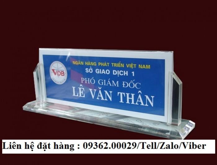 Biển chức danh để bàn bằng mica- Sản xuất tại quận Thanh Xuân1