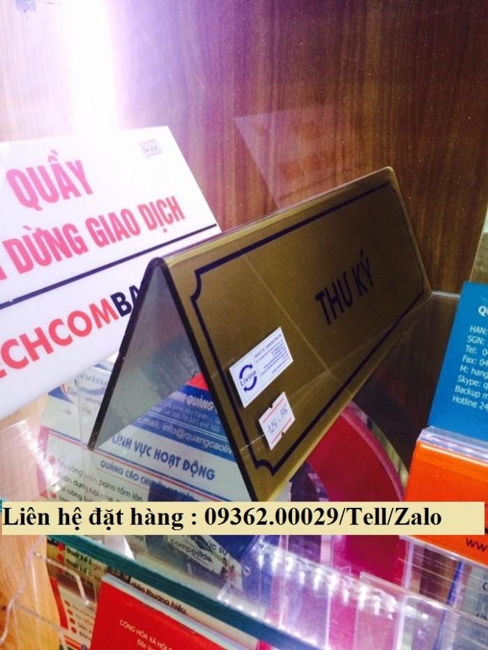 Biển chức danh để bàn bằng mica- Sản xuất tại quận Thanh Xuân2