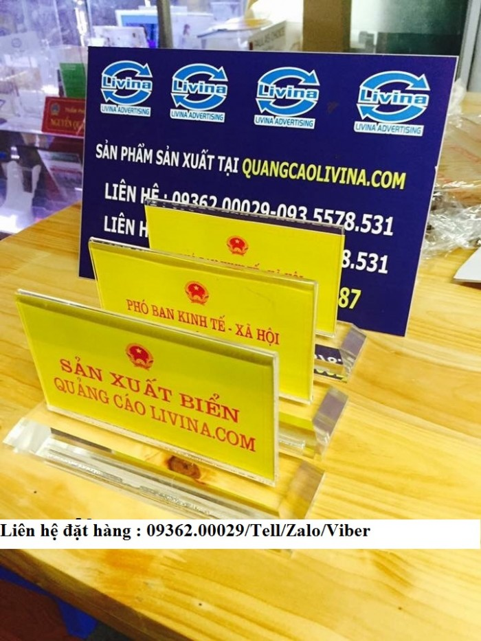 Biển chức danh để bàn bằng mica- Sản xuất tại quận Thanh Xuân3