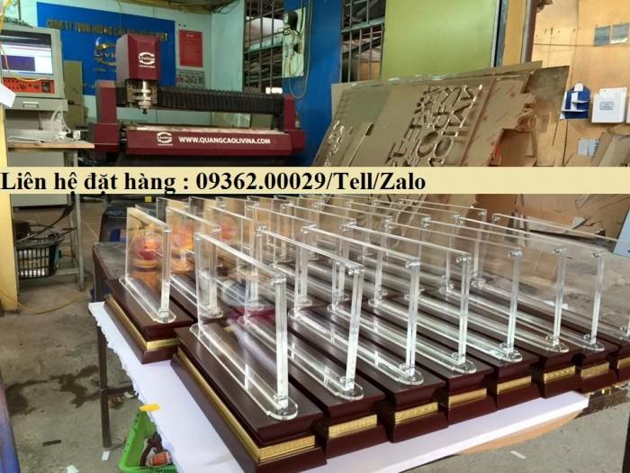 Biển chức danh để bàn bằng mica- Sản xuất tại quận Thanh Xuân4