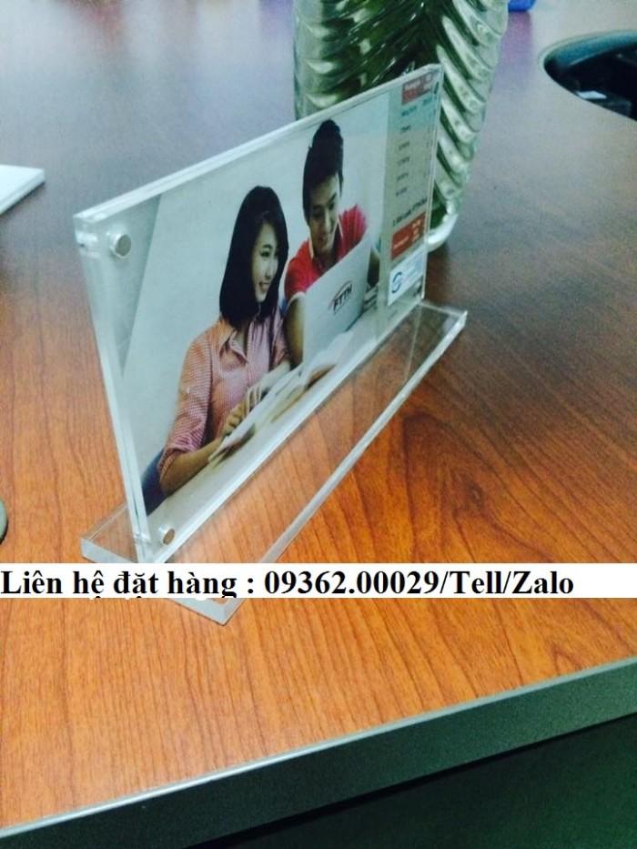 Biển chức danh để bàn bằng mica- Sản xuất tại quận Thanh Xuân5