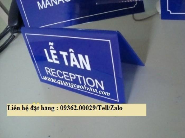 Biển chức danh để bàn bằng mica- Sản xuất tại quận Thanh Xuân6