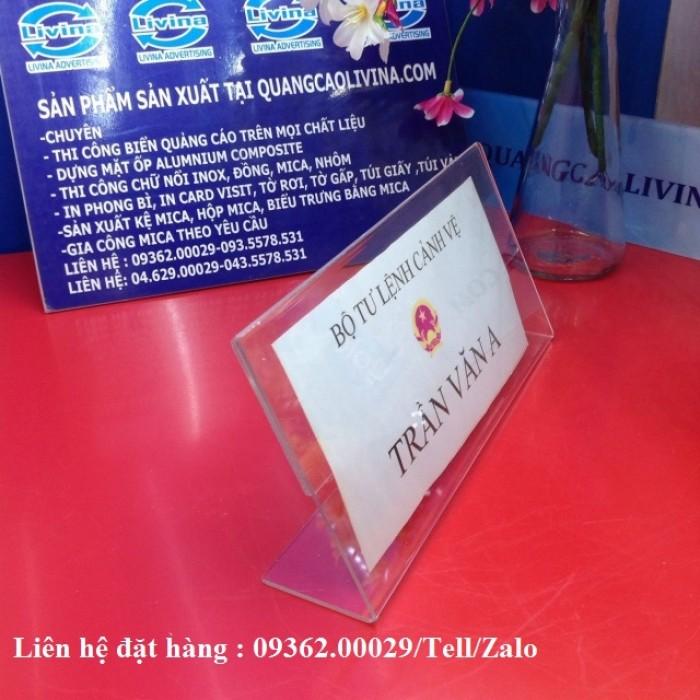 Biển chức danh để bàn bằng mica- Sản xuất tại quận Thanh Xuân9