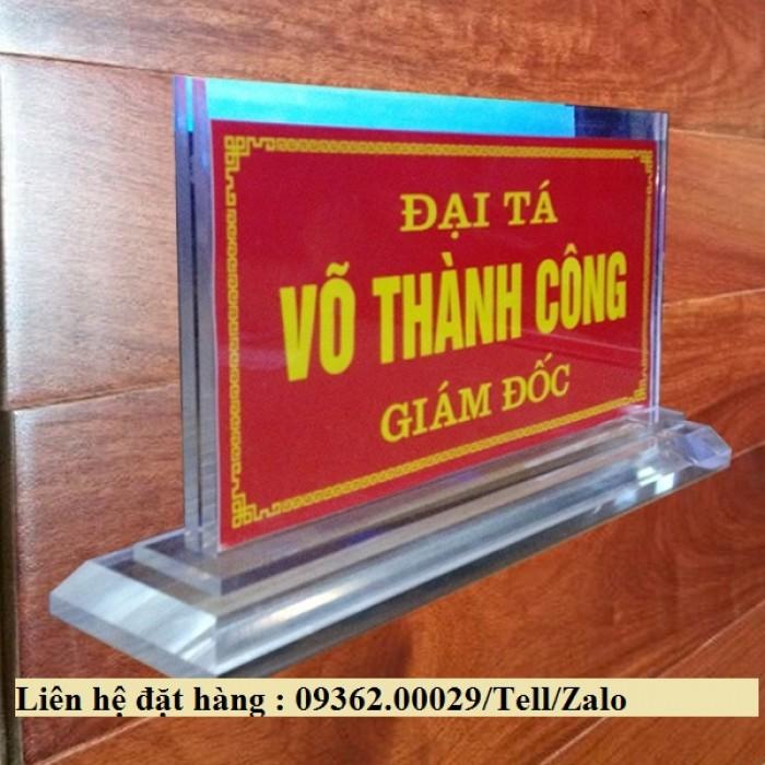 Biển chức danh để bàn bằng mica- Sản xuất tại quận Thanh Xuân14