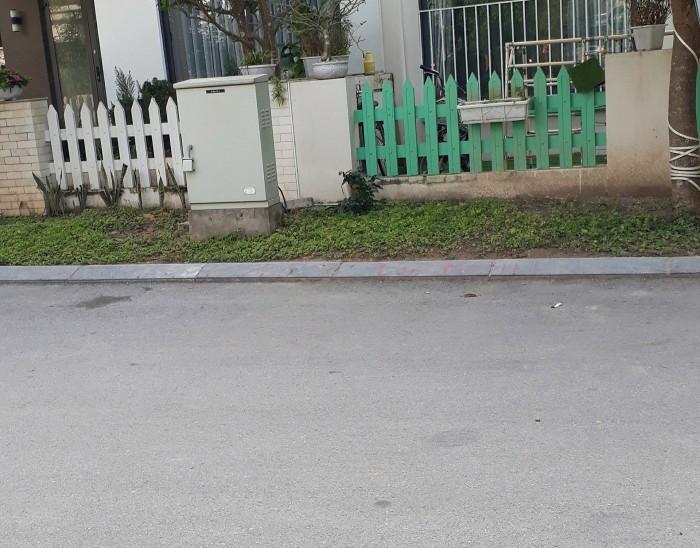 Cần bán mảnh đất  dt 60m2 mt 4m khu TĐC Trâu Quỳ, Gia Lâm,Hà Nội ,đường 20m