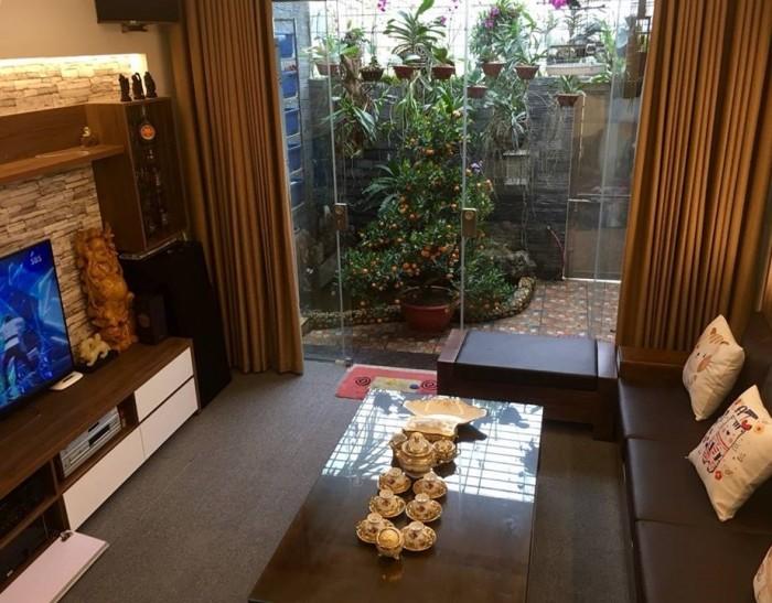 Bán nhà 60m, 5 tầng, 2 mặt ngõ ở Đỗ Quang, nhà mới đẹp, thu 60tr/tháng.