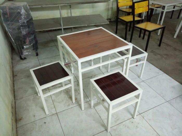 bàn ghế gổ quán nhậu giá rẻ tại xưởng sản xuất HGH 3220