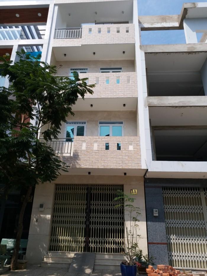Tin Nóng!!! Nhà Đường Lâm Văn Bền, Quận 7. Dt 123m2, Ngang 5,5m.