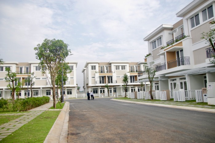 Cần Bán Nhà Mặt Tiền Nguyễn Văn Bứa,, Hóc Môn , SHR.