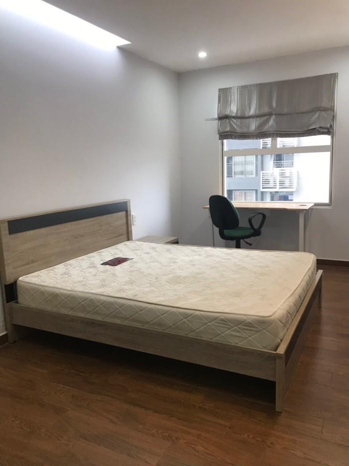 Cho thuê căn hộ Sunrise City, 3pn, 112m không bao phí quản lý, view ban công hướng đông