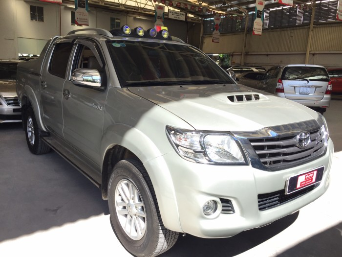 Toyota Hilux sản xuất năm 2014 Số tay (số sàn) Dầu diesel