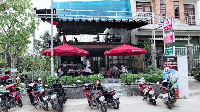 Bán đất và quán cà phê đang kinh doanh tốt KDC Conic 13B, 126m2, SHR