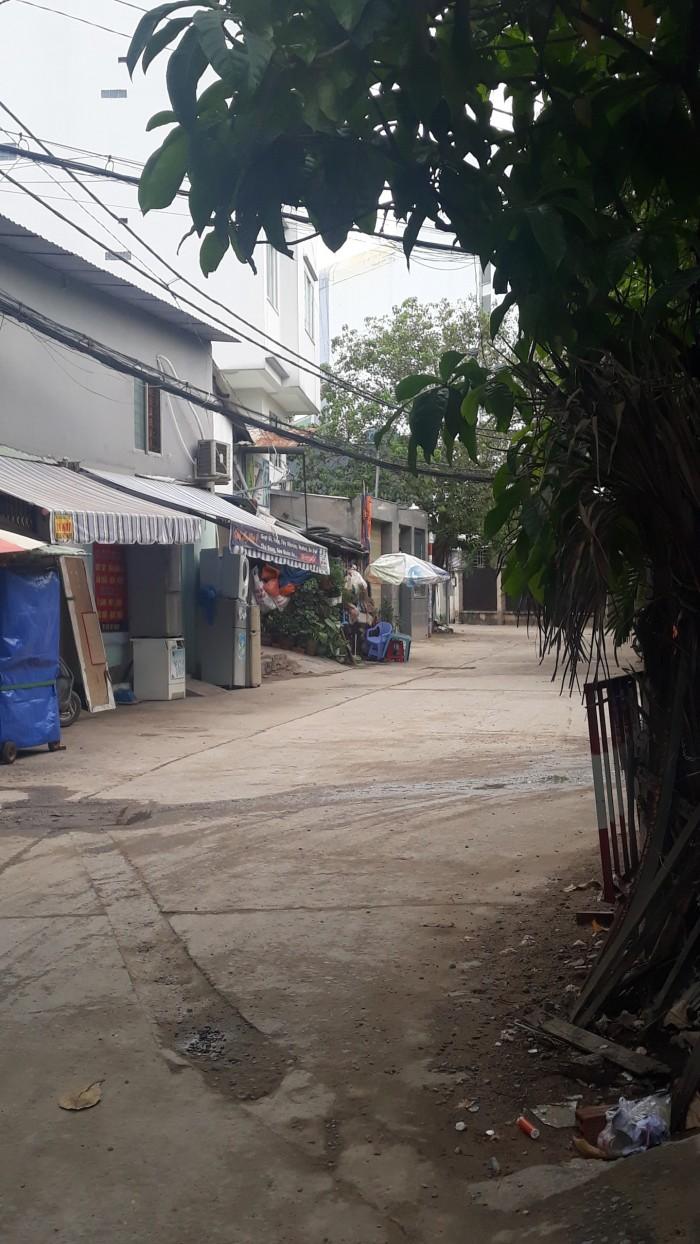 Bán nhà 1 trệt, 1 lầu gần chợ Bà Điểm, Hóc Môn, 60m2, giá 800 triệu, SHR