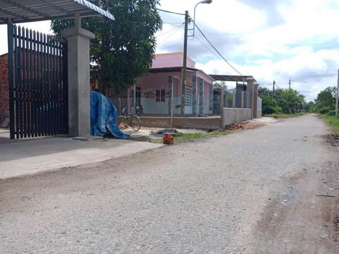 Bán lô đất ngay khu dân cư phước thạnh 2 giá 5tr/m2 SHR đường 12m