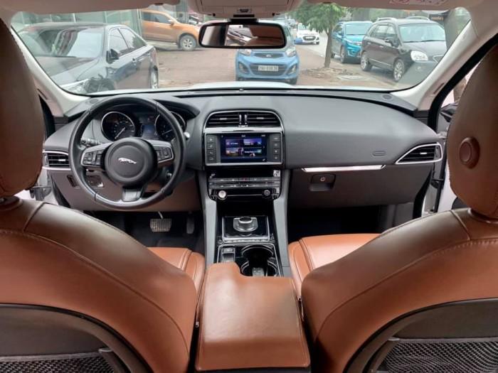 Jaguar F-Pace sản xuất 2016 đăng kí 2017