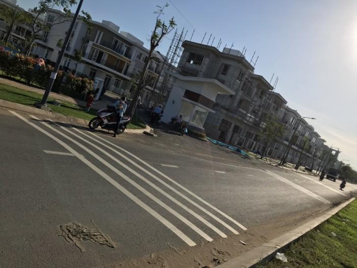 Cần bán nhà phố liền kề dự án Lovera Park Xã Phong Phú Huyện Bình Chánh 1 trệt 2 Lầu