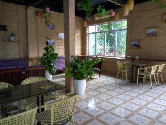 Sang nhượng quán cafe sân vườn TDT 400 m2 (sân vườn 100 m2 + nhà 300 m2) MT 14 m khu đô thị