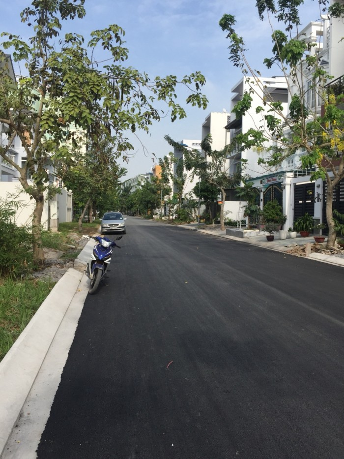 Bán lô Góc đường số 3B rộng 14m đất nền 13B Conic, 147.5m2